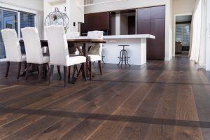 smartfloor-lignite-oak-roomshot-lr