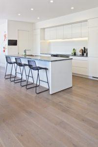 smartfloor-sandstone-oak-roomshot